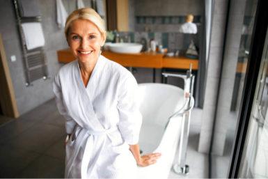 Altersgerechte Badewanne: Umbau, Angebot und Kosten
