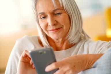 Seniorenhandy: Darauf sollten Sie achten