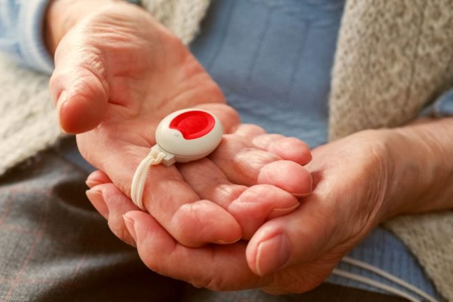 Hausnotruf: Sofortige Hilfe auf Knopfdruck