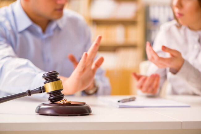 Scheidung: Gründe, Ablauf, Kosten, Tipps
