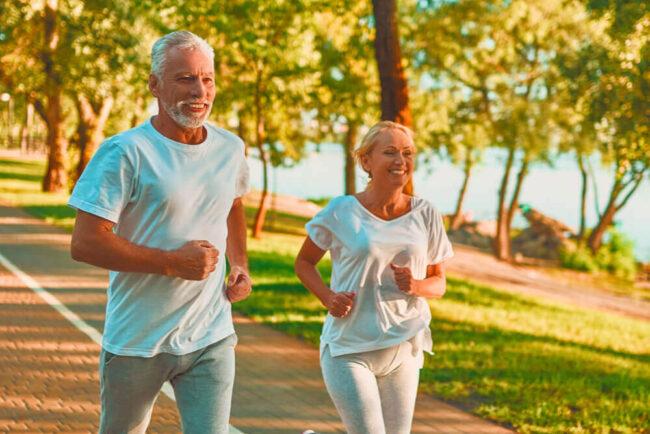 Sport Ü60: So bleiben Sie bis ins hohe Alter fit